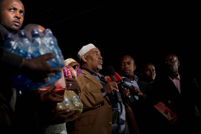 An Islamic Community Elder from the Somali Eastleigh District of Nairobi addresses the media. Kate Holt.