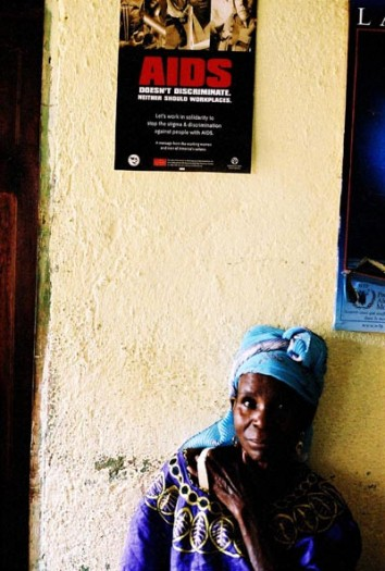 A woman waits for a consultation in Bagera clinic, Bukavu. Kate Holt.