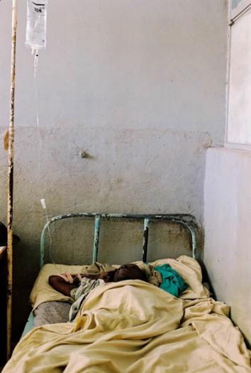 A woman receiving treatment in Bagera Hospital, Bukavu. Kate Holt.