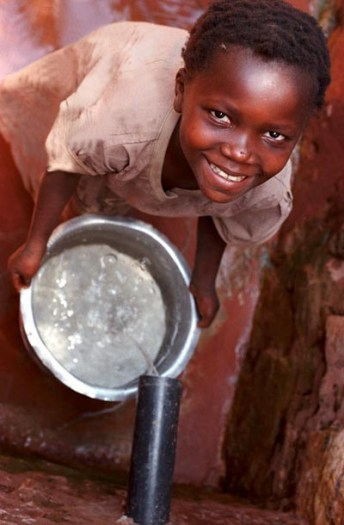 Kabunga Water Project, The IRC have been responsible for designing and implementing water supplies. Kate Holt.